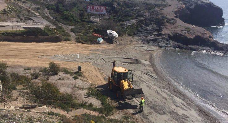 Obras de acondicionamiento de calas… con tierra
